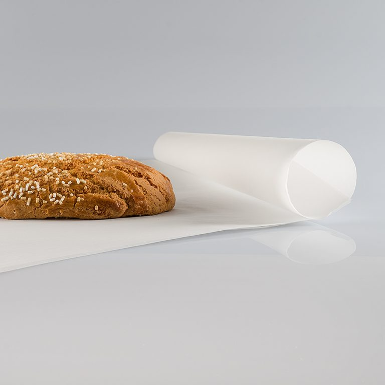 Foglio di carta da forno, resistente alle alte temperature, ideale come compagno durante la preparazione dei prodotti da forno