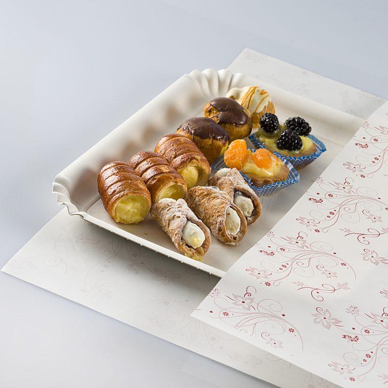 Foglio di carta pelleaglio, ideale per confezionare i prodotti da pasticceria