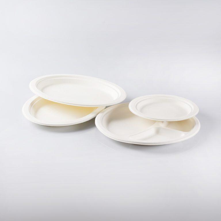 Set di piatti Bio in materiale compostabile, ideali come servizio per gli eventi o le serate tra amici