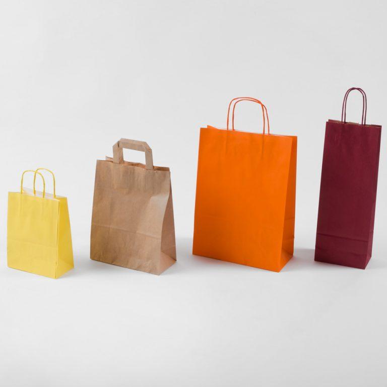 Shopper di carta, ideali per contenere e trasportare i prodotti preferiti
