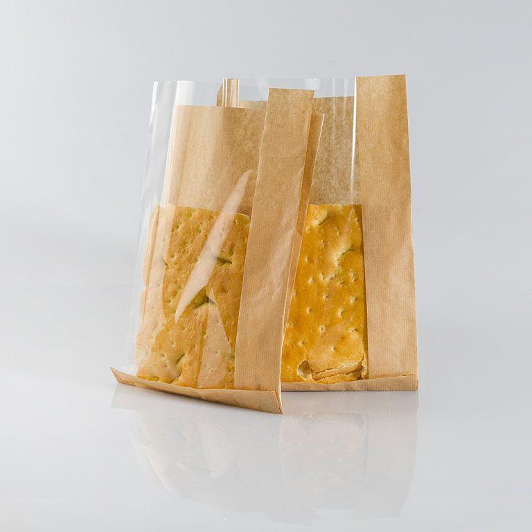 Sacchetto di carta avana, in pura cellulosa, con finestra. Adatto alla conservazione di alimenti, ideale per prodotti da forno, anche unti